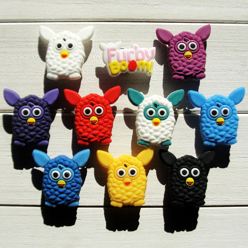 цена 1pcs Furby Boom Shoe Charms PVC Shoes Accessories Decoration Small Ornaments or Gifts for Party Shoe Buckles в интернет-магазинах