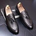 Homens da moda Borla Vestido de Negócios shoes Slip-On Flats Oxfords Brogue Sapatos de couro de Alta Qualidade Masculino Mocassins 022