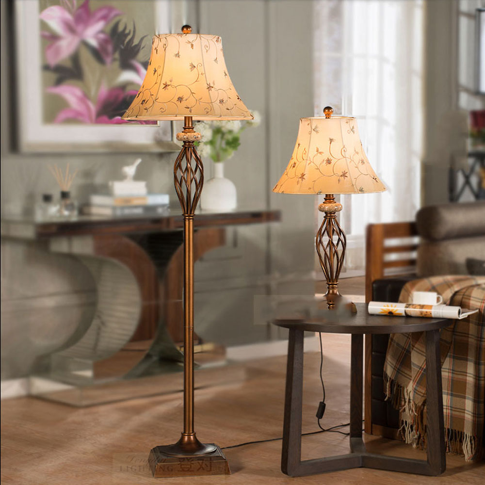 American Floor Lamp Living Room Bedroom Bedside Vertical Lighting Village Retro Simple European Energy Saving Floor Lamp