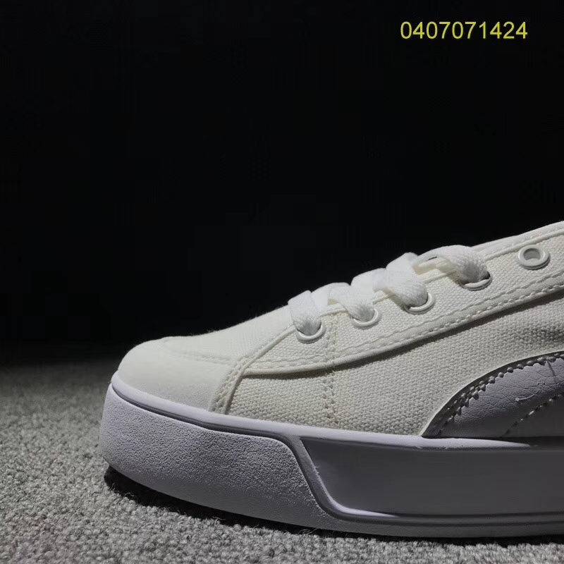 4ee9489ce4e2 2018 brand new retro men s Puma opener SMASH V2 VULC CV canvas sports shoes  size 40 44-in Badminton Shoes from Sports   Entertainment on Aliexpress.com  ...