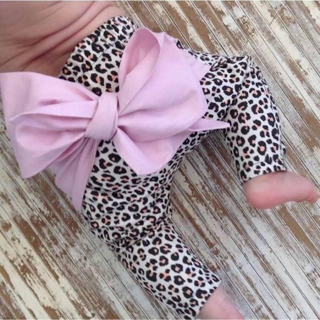 Muchacha Del Muchacho Pantalones Niños de Los Niños del algodón al por menor 2016 de La Moda de Primavera leopardo del amor del corazón estampado geométrico pantalones harem bow 1-4Y 1777