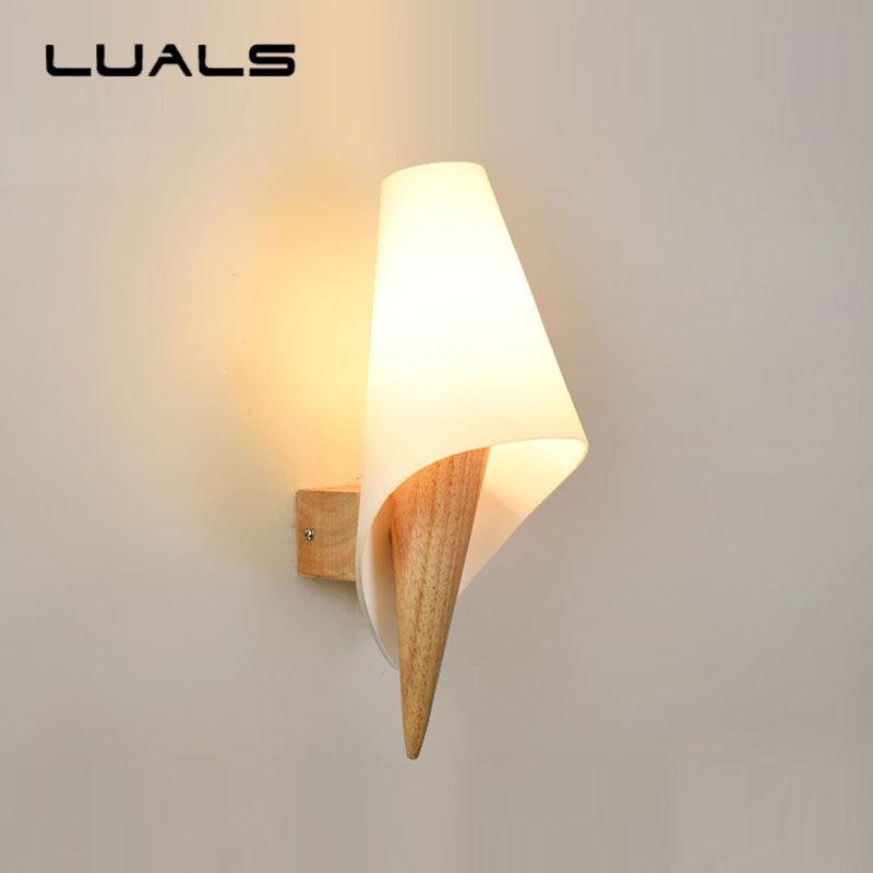 купить Modern Wall Lamp Creative Wooden Led Wall Light Nordic Personality Wall Lights For Home Living Room Bedroom Art Deco Lighting по цене 5441.12 рублей