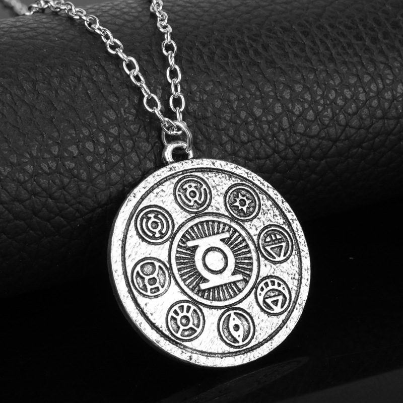 Men Women Vintage Accessories Neckwear Green Lantern Round Coin Tag Pendant Necklace Choker Necklace