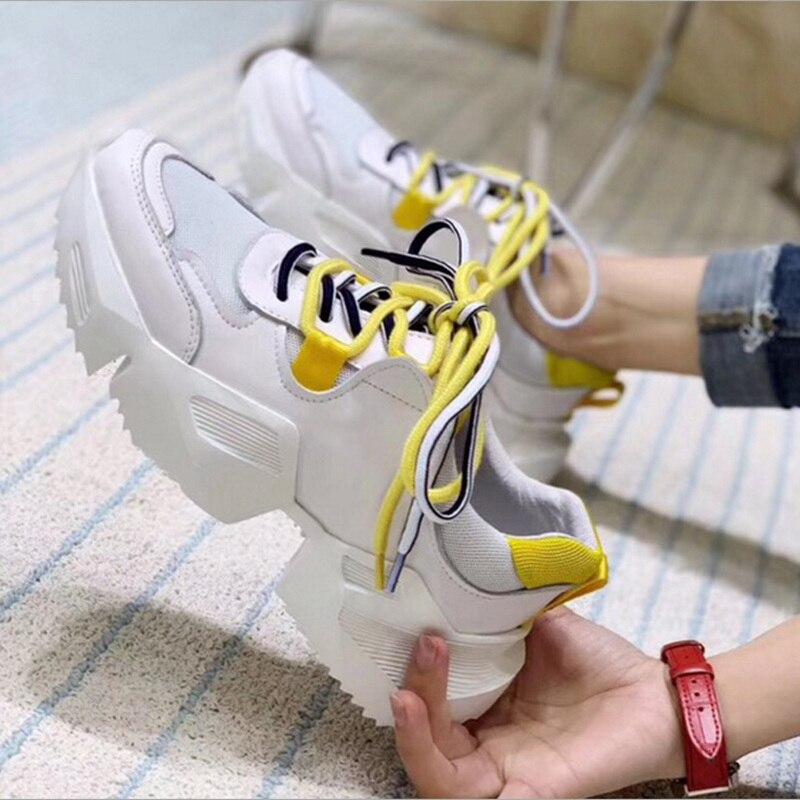 여자의 가죽 두꺼운 바닥 메쉬 레이스 스 니 커 즈 봄가 새로운 패션 편안한 통기성 부드러운 실행 캐주얼 화이트 신발-에서여성용 펌프부터 신발 의  그룹 1