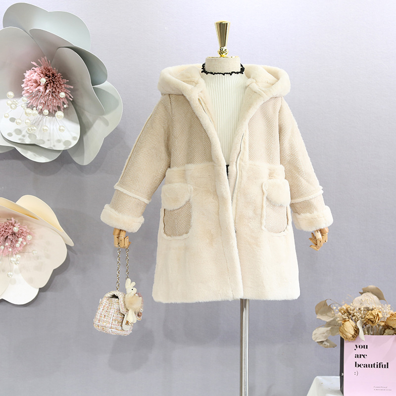 Girls fur coat 2018 autumn and winter new girls in the mid-length long thick coat Korean version of the fur