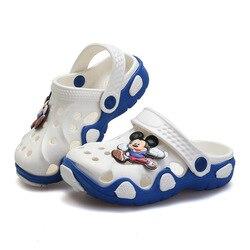 Crianças Chinelos de verão Moda Dos Desenhos Animados Praia Sapatos Meninos Meninas Respirável Sapatos Ocos Crianças Antiderrapante Chinelos Ao Ar Livre