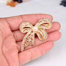 Newest Cute Bowknot Brooches All Crystal Gold Plated  Simulated Pearl Brooches Pins Jewelry For High-Grade Clothes Accessory