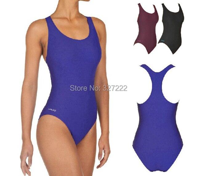 Un pezzo costume da bagno nuotatori di costumi da bagno piscina ...