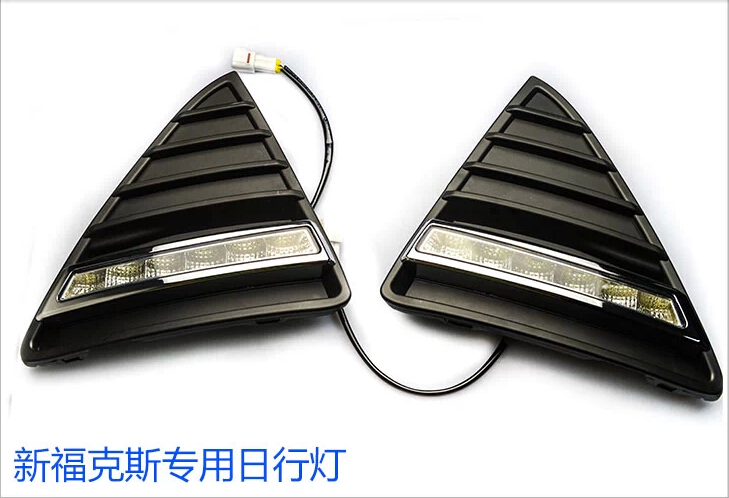 2x LED Car Daytime Running Light DRL with turning lamp driving fog light with triangle grille For Ford Focus 2012-2014 2x car led daytime running light for ford focus fog head lamp drl 2011 2014 ma141 white