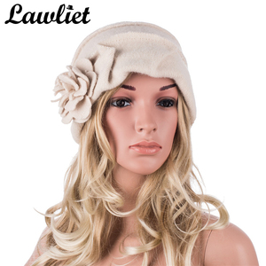 Image 1 - Elegancki 1920s styl kapelusze damskie zimowe Beret czapki Beanie dla kobiet wiadro Cloche Cap 100% gotowane wełny ciepłe kapelusze A376
