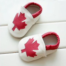 2016new Maple Leaf real Leather Baby moccasins first Walkers girls newborn baby non-slip Canada Flag toddler Soft sole shoes(Chile)