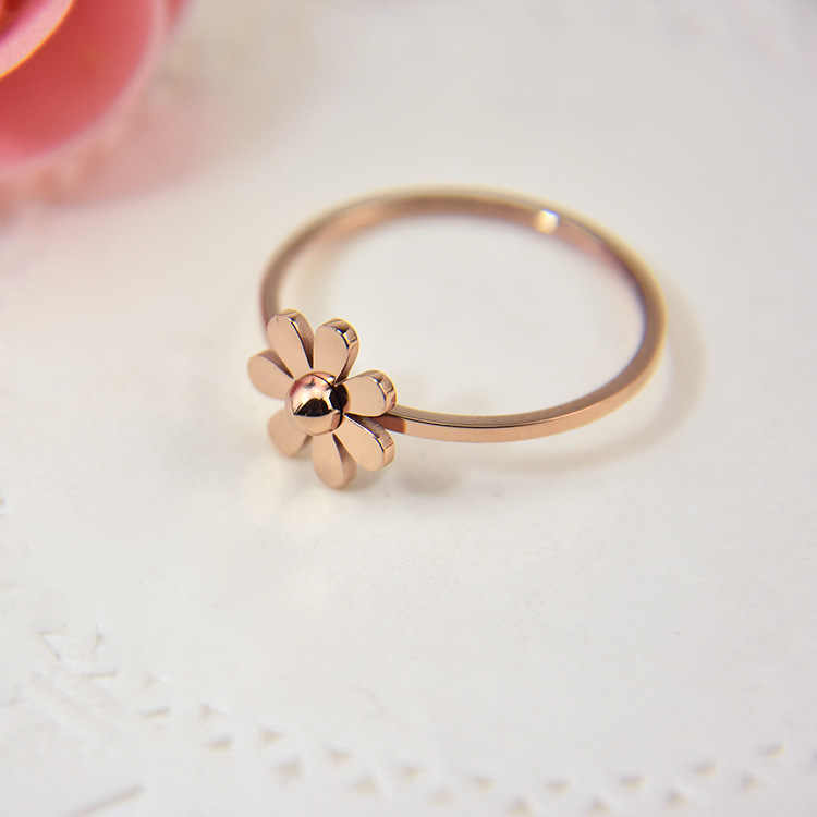 New Listing Simple Sun Flower Petals Titanium Steel Ring Cute Rose Gold Small Daisy Flower Couple Rings Jewelry For Women BXJ05