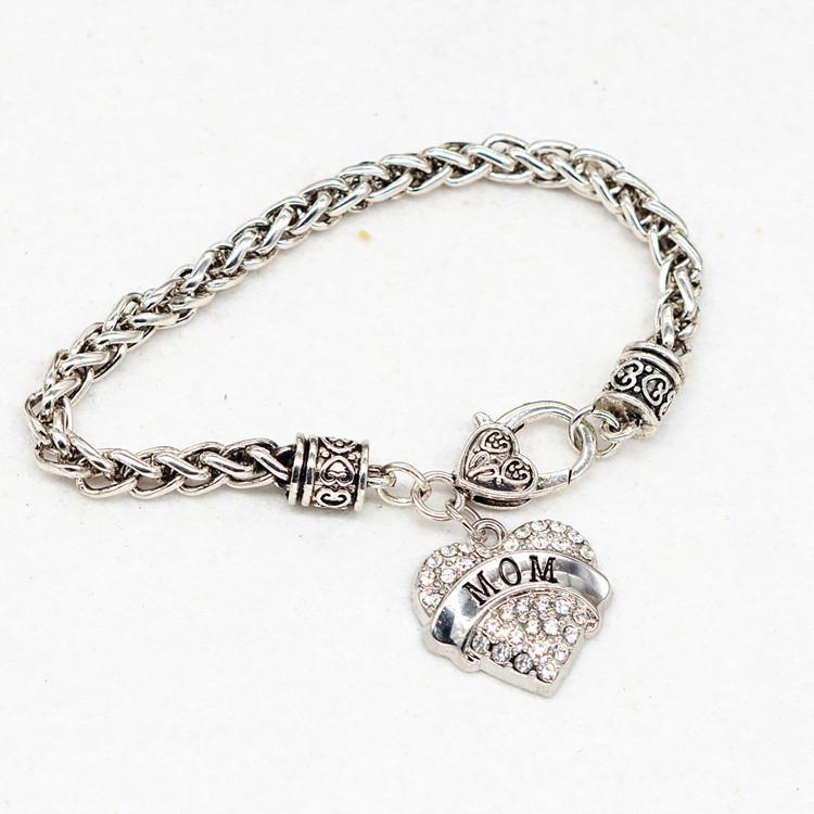 HTB1KIYLPFXXXXb6apXXq6xXFXXXy - Bracelet with Heart Shaped Charm 'Mom'