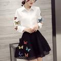 2 шт. комплект женщин 2016 весной бабочка вышивка белая рубашка выдалбливают юбки комплекты одежды conjunto feminino 4120