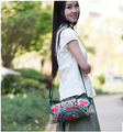 Lady's lady bag!Newest Hot-Wholesale women Embroidered bags Fashion Vintage embroidery shoulder messenger bags lady small bags