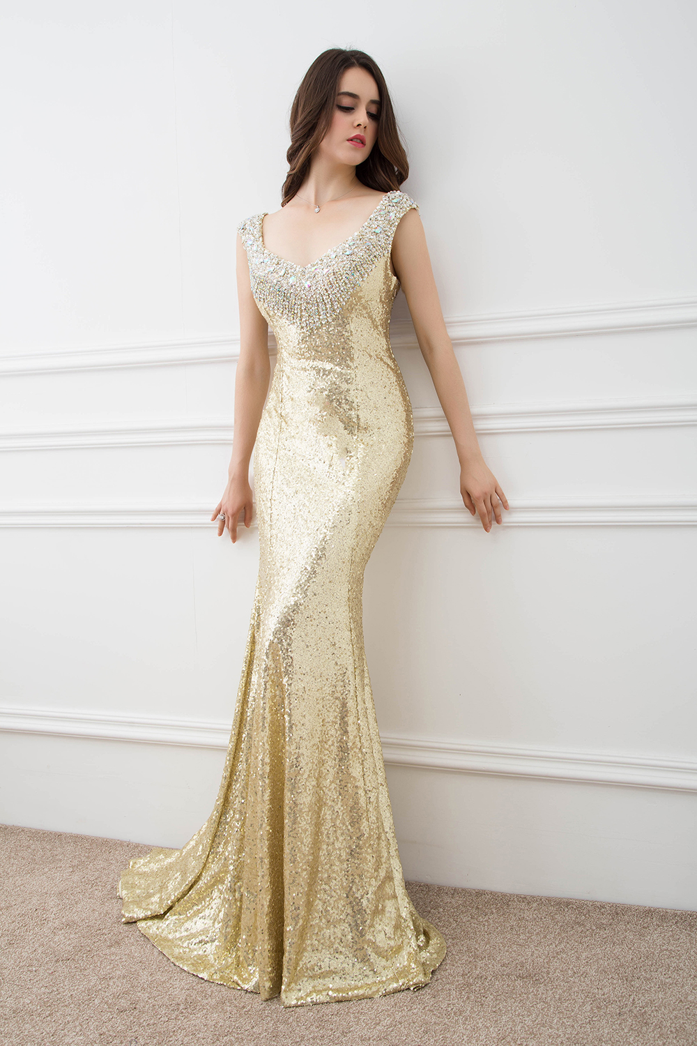 2019 Gold Sequin Prom Dresses with Crystal Beaded Custom made Trumpet Sexy Woman Sheer Back Evening