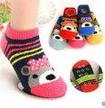 2016 Outono e inverno crianças meias de lã coral meias chão criança dos desenhos animados de sílica gel antiderrapante-meias bebê bonito chinelos meias
