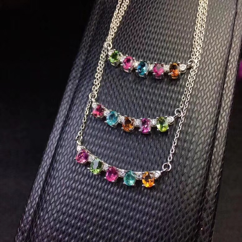 Luxurious evening banquet exclusive Natural Ruby Necklace beautiful, noble and dignified, 925 silver material.