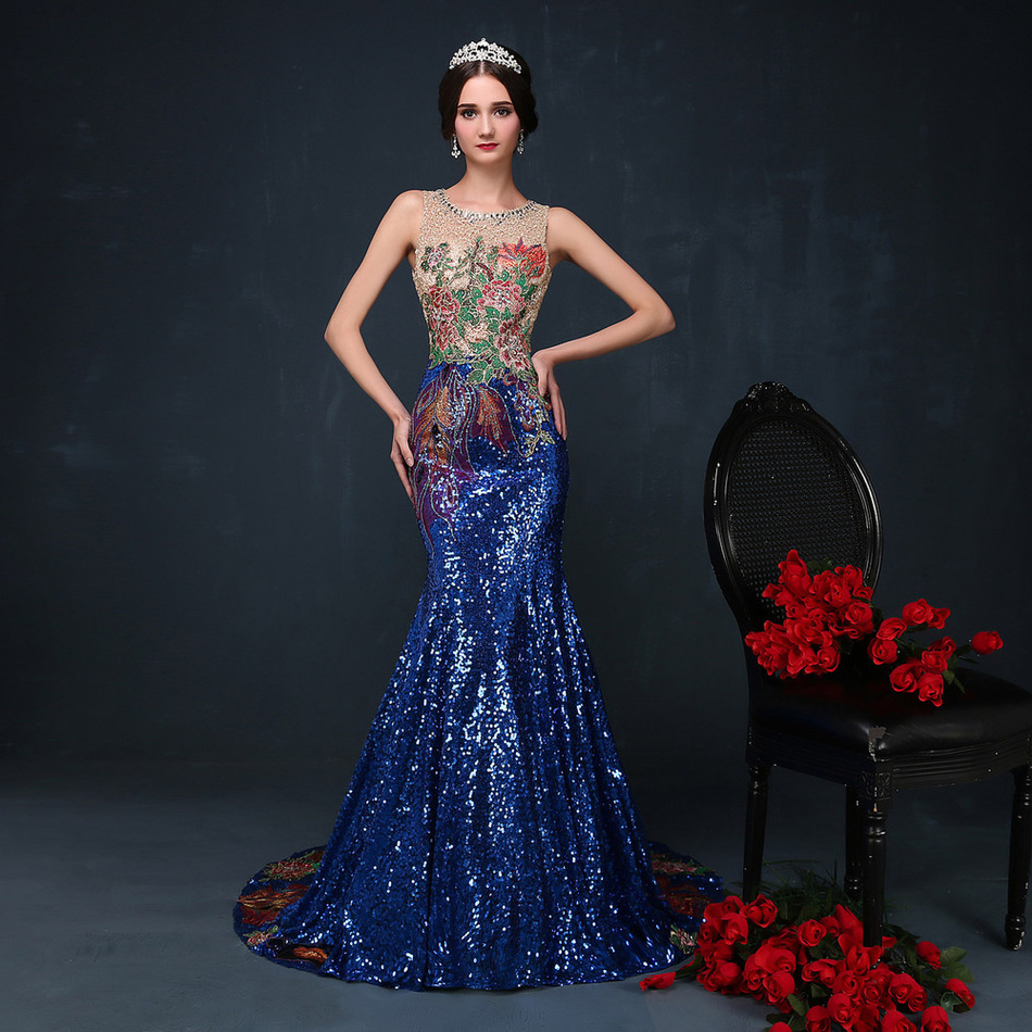 Image 5 - 2016 Luxury Trailing Long Cheongsams Sequins/Embroidery Backless Qipao Robe Orientale Chinese Tradition Wedding Dress-in Cheongsams from Novelty & Special Use