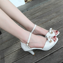 Casual womens sandals Summer 2019 new square with Roman word buckle open toe wild bow cool shoes