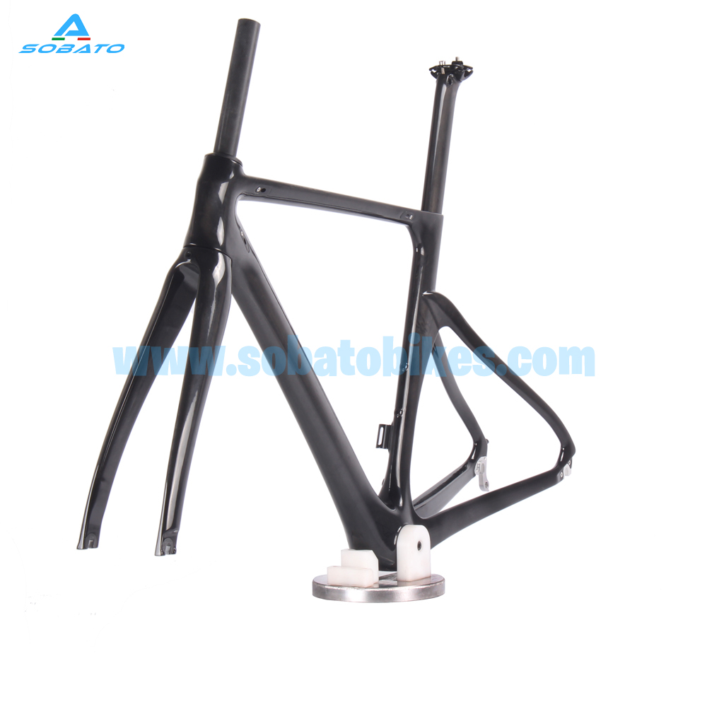 High Quality Aero Carbon Road Bicycle Frame ,UD Matte ,BSA/BB30, Full carbon fiber Road Bicycle Frames DI2 Disc Thru Axle 2017 newest 1 1 disc road bike frame 4 sizes for disc carbon frame ultra light frame fork seat post headset bb adapter thru axel
