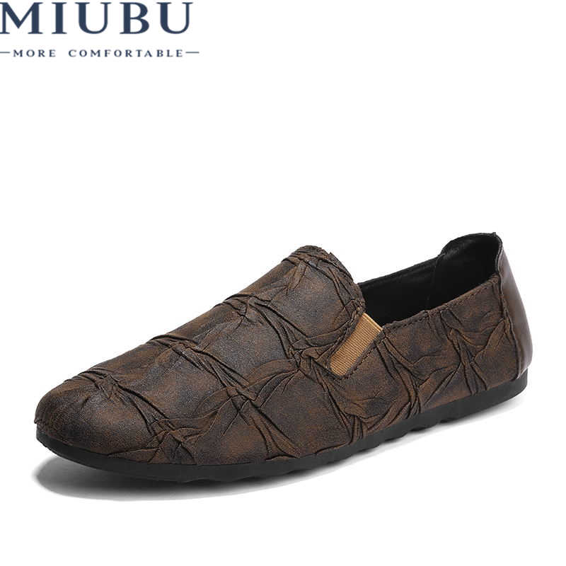 8d2be4e35f1d MIUBU Men Casual Shoes Luxury Brand 2019 Italian Fashion Men Loafers Soft Leather  Mens Lazy Boat