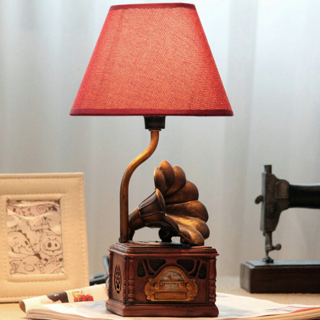 Children Room Retro Phonograph Kids Wooden Table Lamp E14 110V-220V Switch Button Modern Led Desk Lamp Light Study Lamps