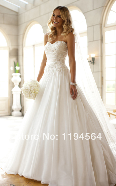 Online Sweetheart Unusual Wedding Dresses 2017 Fashion Floor Length White Chiffon Lace Up Bridal Gown Free