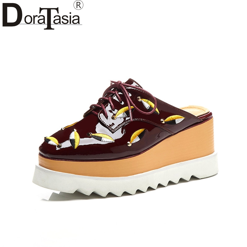 DoraTasia women's Patent Leather lace-up summer mules shoes Embroider Platform Shoes Woman Casual Spring Flats Big Size 33-42 bonjomarisa large size 33 42 women s genuine leather lace up wedges increasing platform shoes woman casual spring flats