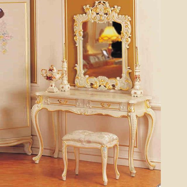 Muebles Clásicos Muebles De Madera Pintura Grietas Lujoso Dormitorio ...