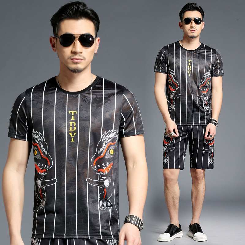 Striped dinosaur pattern digital printing hip hop t shirt&shorts set Summer 2018 quality rhinestone elastic tracksuit men M-4XL