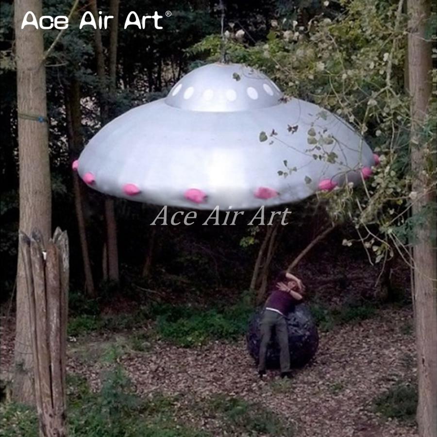 Outdoor/indoor hanging up giant sliver Inflatable UFO model for sale