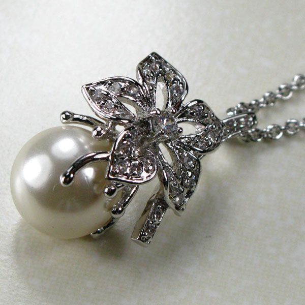 WHITE PEARL Studded Pendant – Designer Fashion 925 STERLING SILVER Coated PENDANT