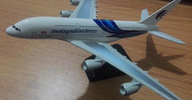 1:400 20 CM avión Malaysia Airlines Airbus A380 de Pasajeros Internacional Sólido Juguete Diecast Modelo de Avión Avión de Metal Decoratio