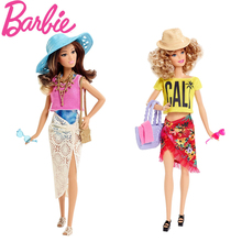BARBIE FASHION CON BAÑADOR Y ROPA PLAYERA