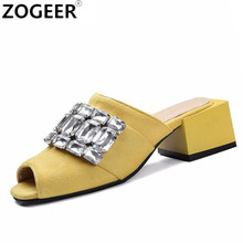 2017 Summer Leisure Square Medium Heel Slippers Fashion Luxury Crystal Sandals Flock Slides Causal Flip flops Beach Shoes Woman