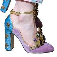 2018 для подиума Хрустальная корона Decoraitons толстый каблук Женская обувь круглый носок Кожаные модельные туфли Туфли лодочки разноцветные Мэр