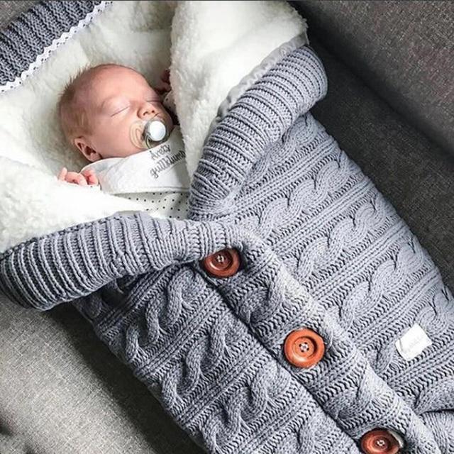 دافئ الطفل كيس النوم Footmuff الرضع زر متماسكة قماط القطن الحياكة المغلف الوليد سويب التفاف عربة اكسسوارات
