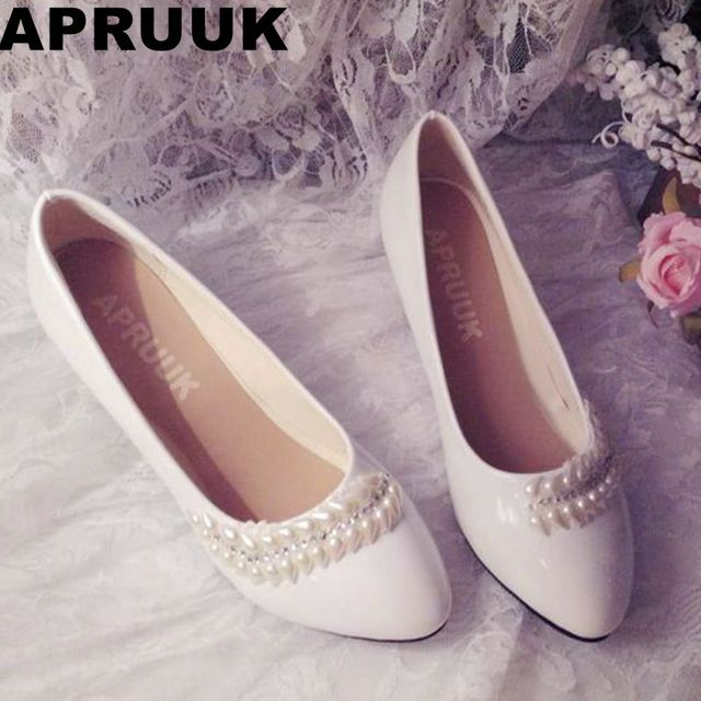 Wedding shoes for bride middle heel white color leaves pearls european  design bridal wedding shoes customized low high heel 89d4eebc89dc