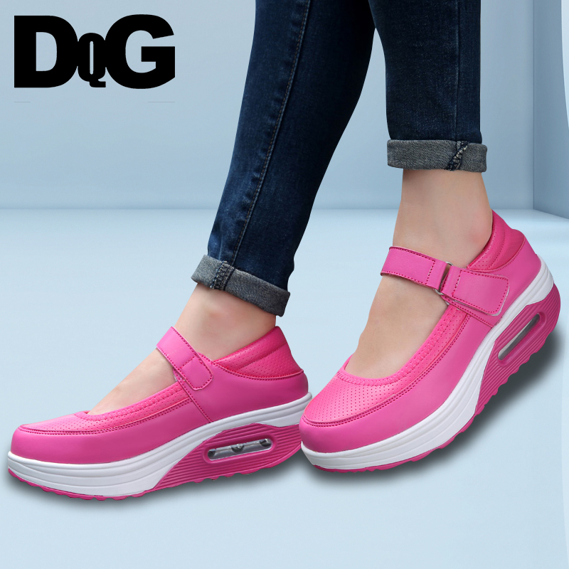 где купить DQG 2018 Spring Women Shoes Casual Mary Janes Slip On Female Shoes Solid White Nurse Shoes Flat Platform Leather Zapatos Mujer по лучшей цене