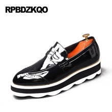 British Style 2017 Flats Men Brogue High Quality Black Patent Leather Dress Shoes Height Increasing Platform Wingtip Prom