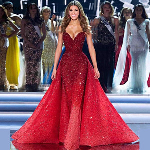 Image 2 - Dubai Design Red Full Crystal Evening Dresses Off Shoulder Sexy Luxury Mermaid Evening Gowns Serene Hill LA6637