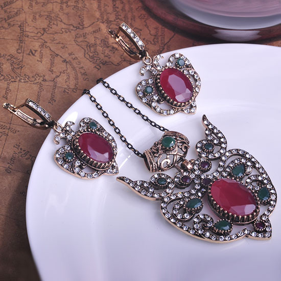 Blucome Vintage Red Flower Crown Shape Jewelry Sets Princess Hooks Drop Earrings Resin Turkish Long Pendants Necklace Max Brinco