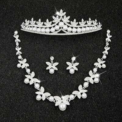 Hot Sale Sliver Plated Rhinestone Crystal Necklace+Earrings+Tiara 3pcs Jewelry Set For Bride Bridal Wedding Accessories (6)