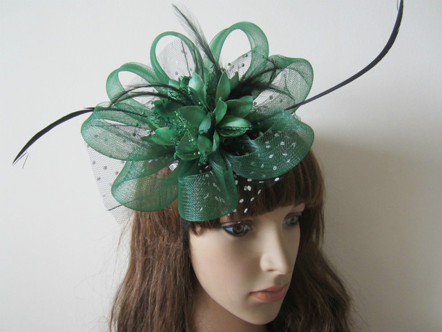Charming DARK BOTTLE GREEN Wedding Feathers Net Flower Hair Fascinator Clip  Headwear Hairpin Women Fascinators 8a2dc537936