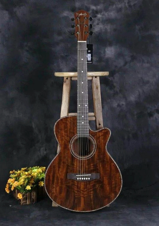free shipping 40inch full hickory wood acoustic guitar with Mic beat board with EQ free bag free shipping 5pcs eq ed eq in stock