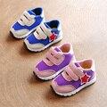 Barato bebé shoes 2017 air mesh transpirable zapatos de bebé de la muchacha shoes soft pu poco niños sneakers niños formadores zapatillas de deporte shoes