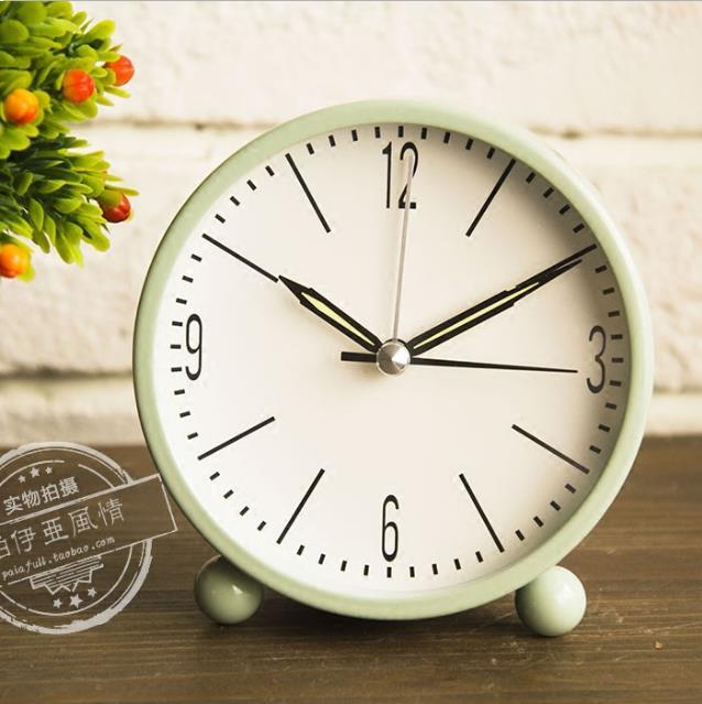 Круглый металлический будильник, однотонные многоцветные бесшумные Современные Простые настольные часы, креативные мини часы для украшения дома со светящимися часами|Настольные часы|   | АлиЭкспресс - Крутые будильники