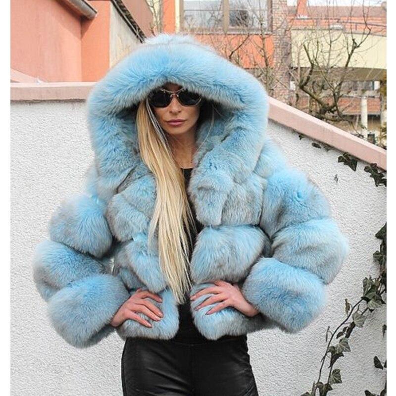 azul caliente capucha corta