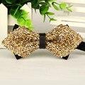 Pontas dos homens de luxo gravata borboleta bowties borboleta Cristal ouro de casamento dos noivos gravatás borboleta muito grosso a granel